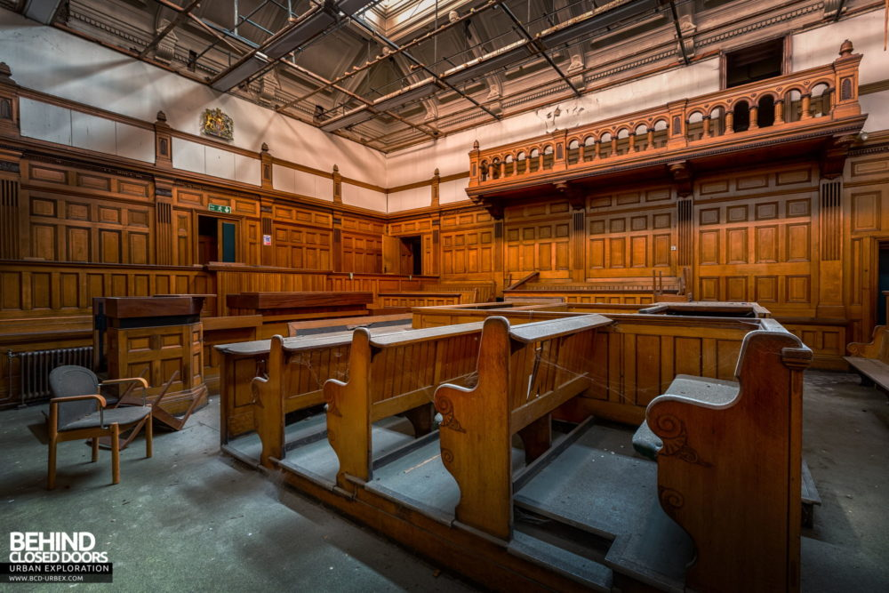Nottingham Guildhall - Angle view of courtroom No. 1