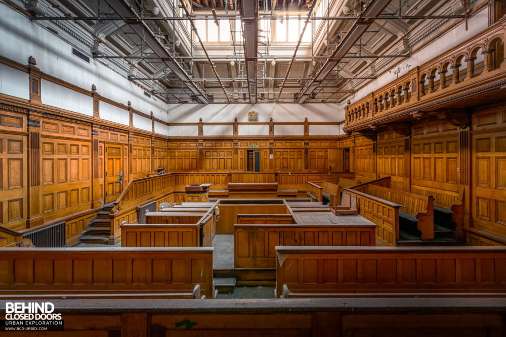 Nottingham Guildhall - Courtroom No. 1 from the back