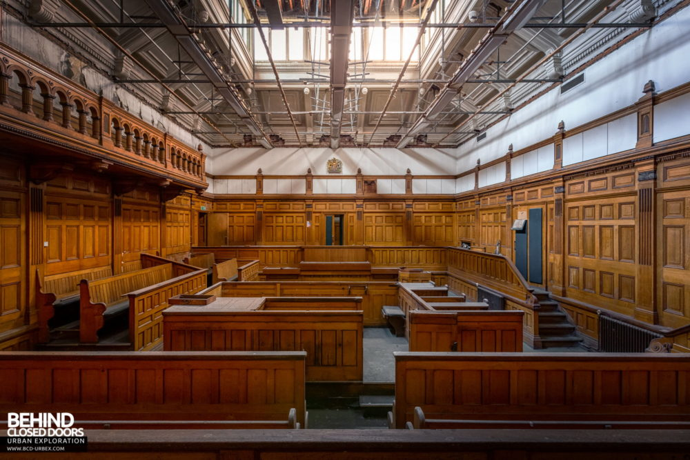 Nottingham Guildhall - Courtroom No. 2 from the back