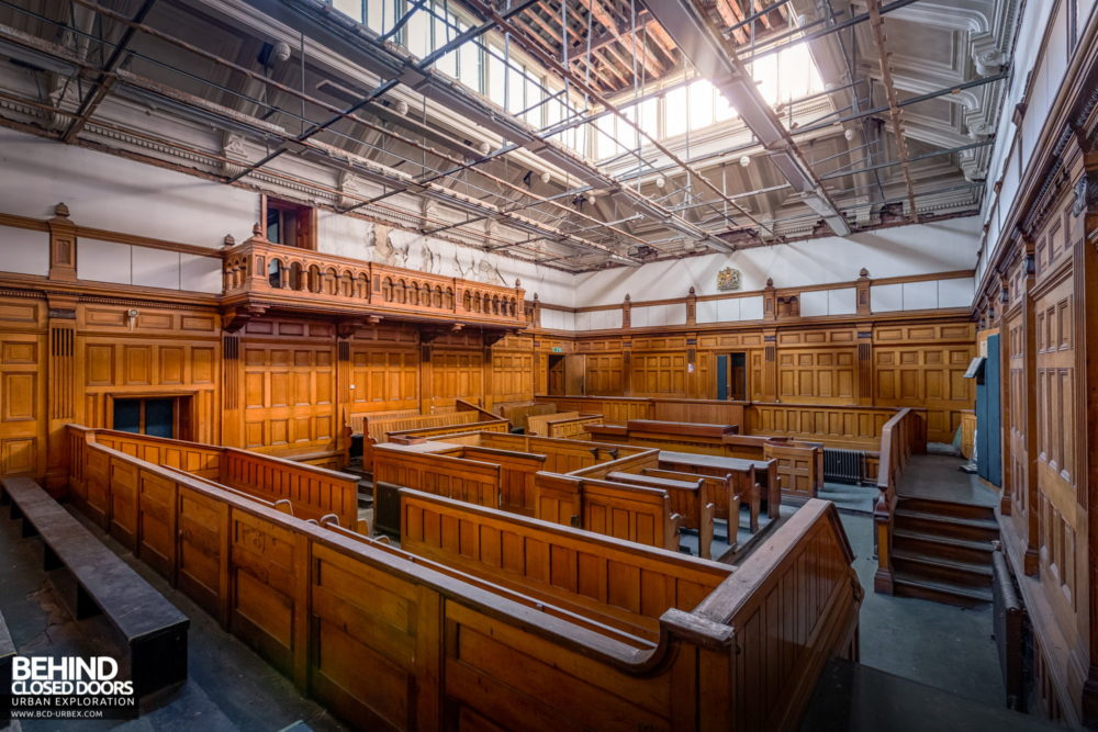 Nottingham Guildhall - Angle view of courtroom No. 2