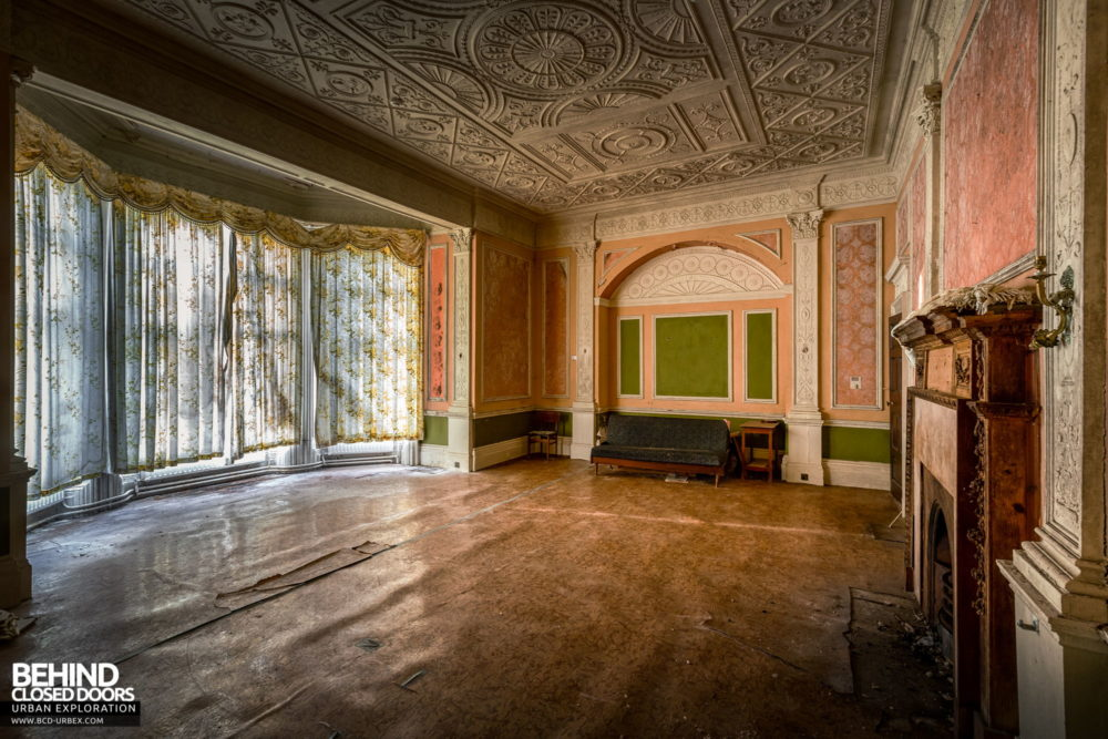 Castle MacGarrett, Ireland - Original reception room