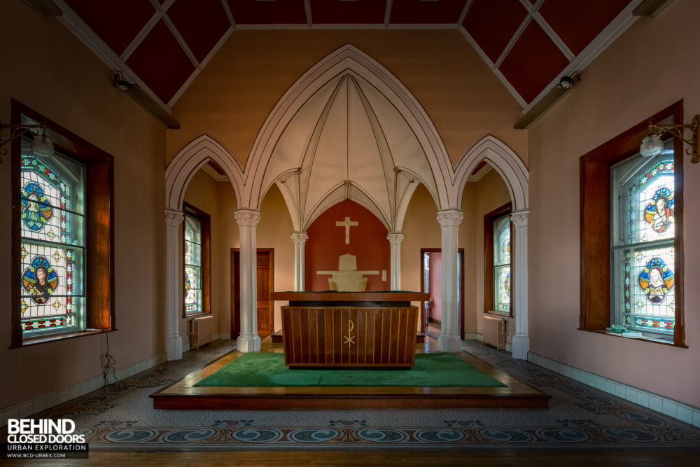 Buttevant Convent of Mercy - The arched sanctuary in the chapel