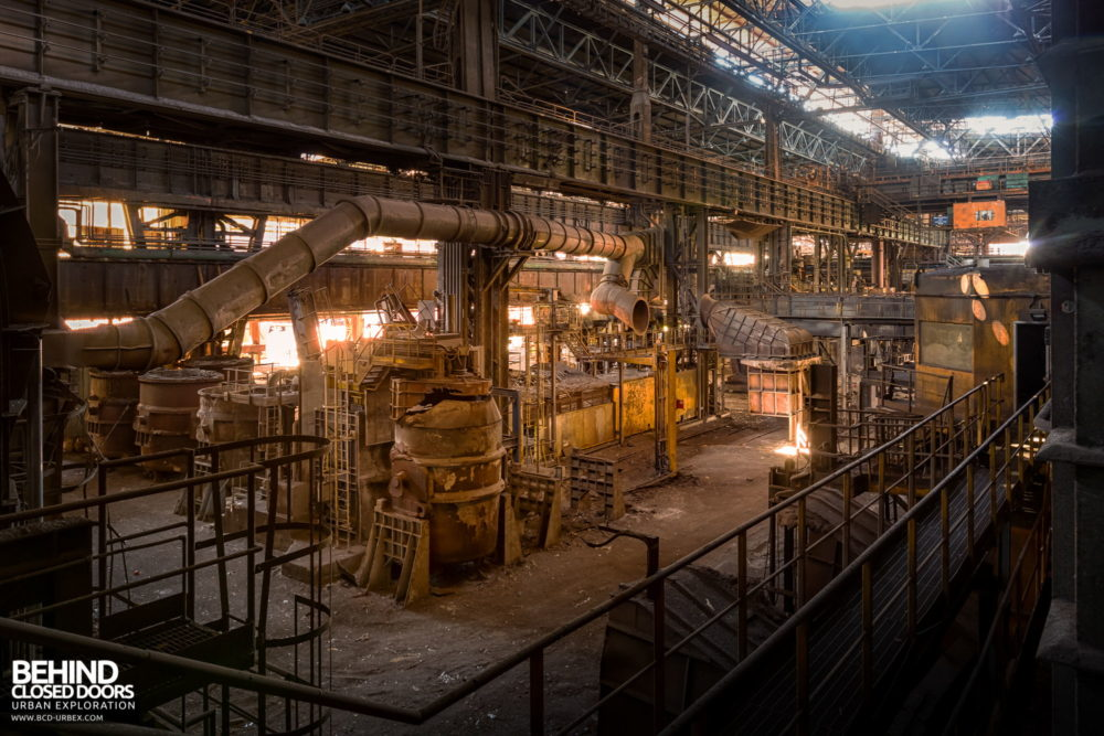 Lucchini Steel Works, Piombino - Ladles and pipework in the BOS plant