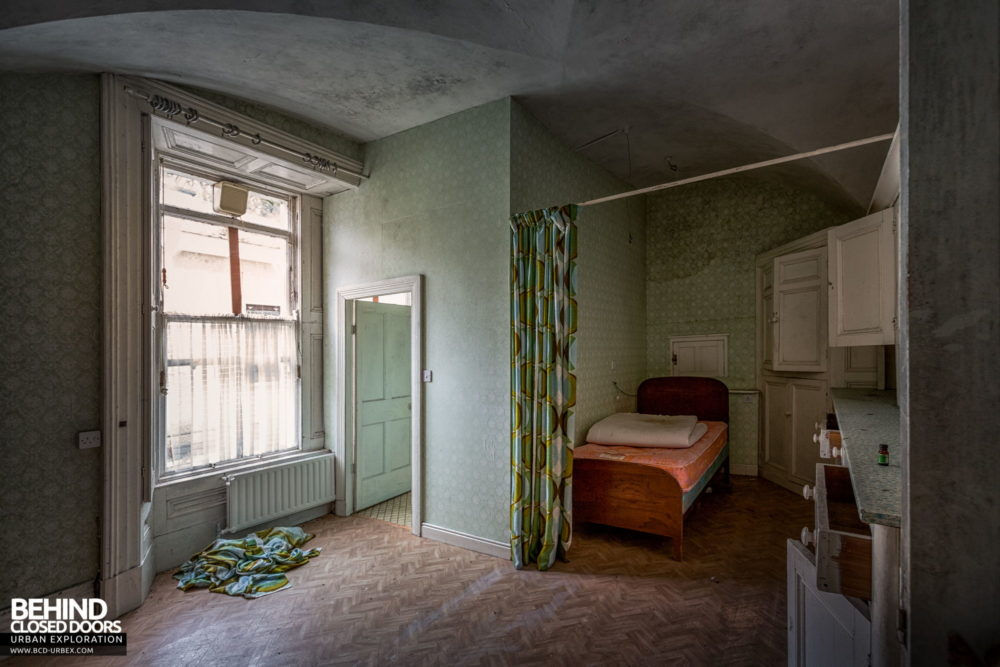 Cahercon House, Ireland - One of the bedrooms