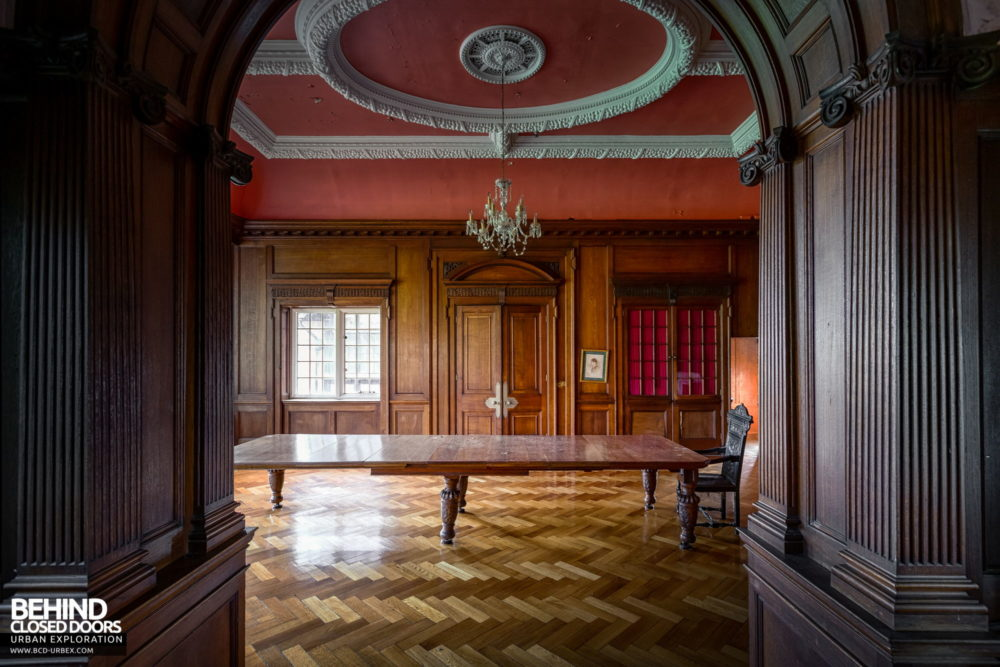 Glenmaroon House, Dublin - Archway in the boardroom