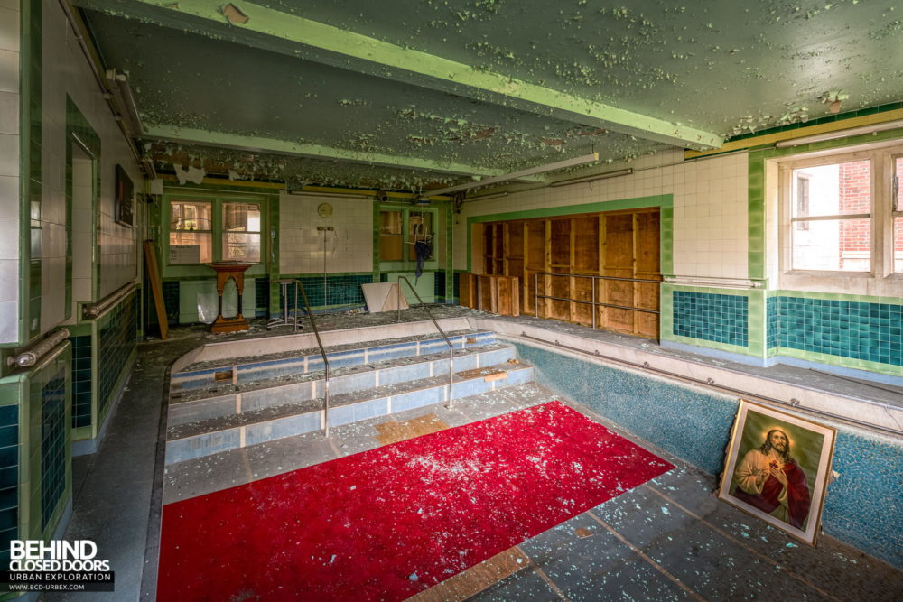 Glenmaroon House, Dublin - Swimming pool