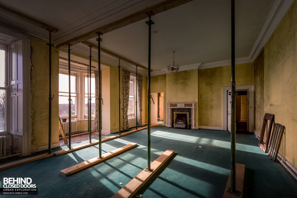 Knockmaroon Lodge, Dublin - Even larger reception room