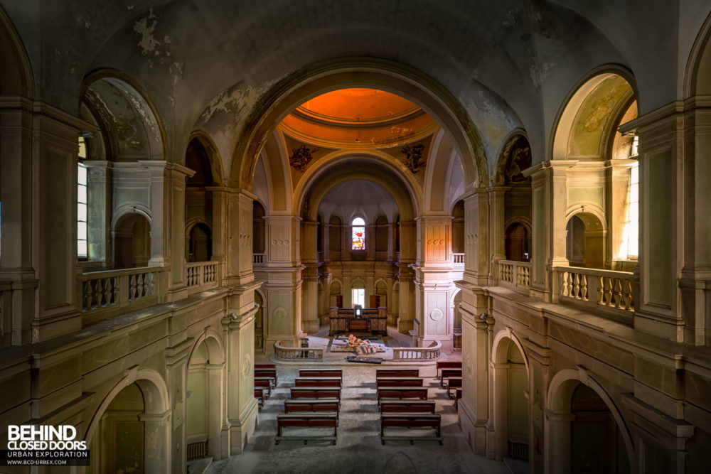 Tuberculosis Sanatorium / Hospital, Italy - View down the chapel