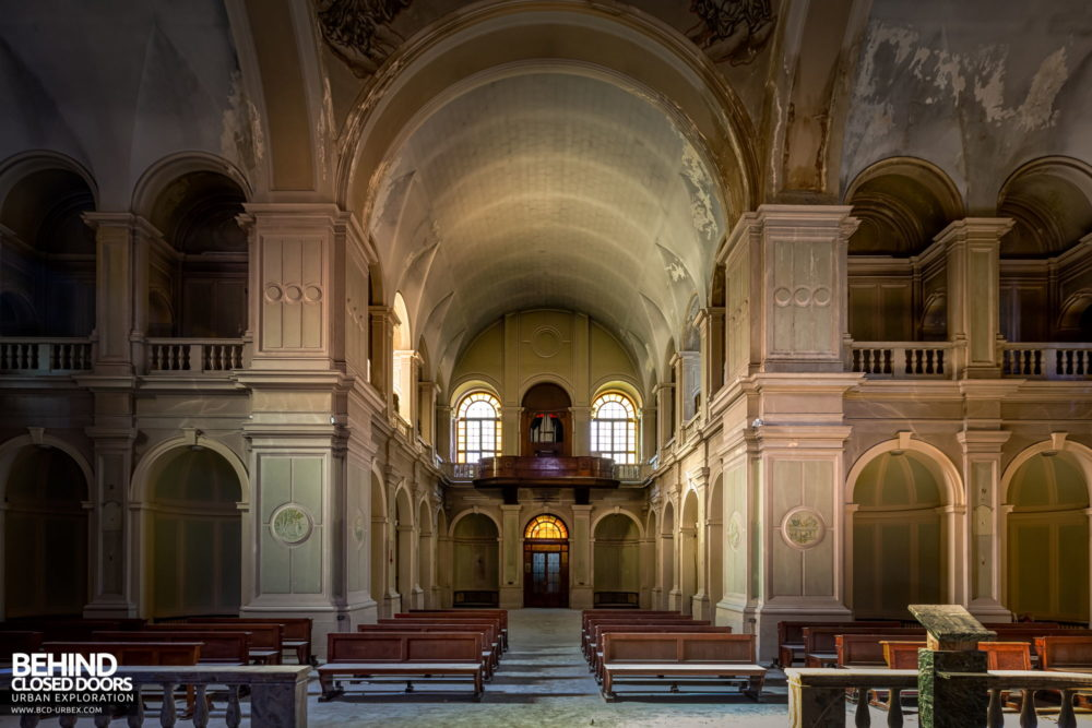 Tuberculosis Sanatorium / Hospital, Italy - Inside the huge chapel