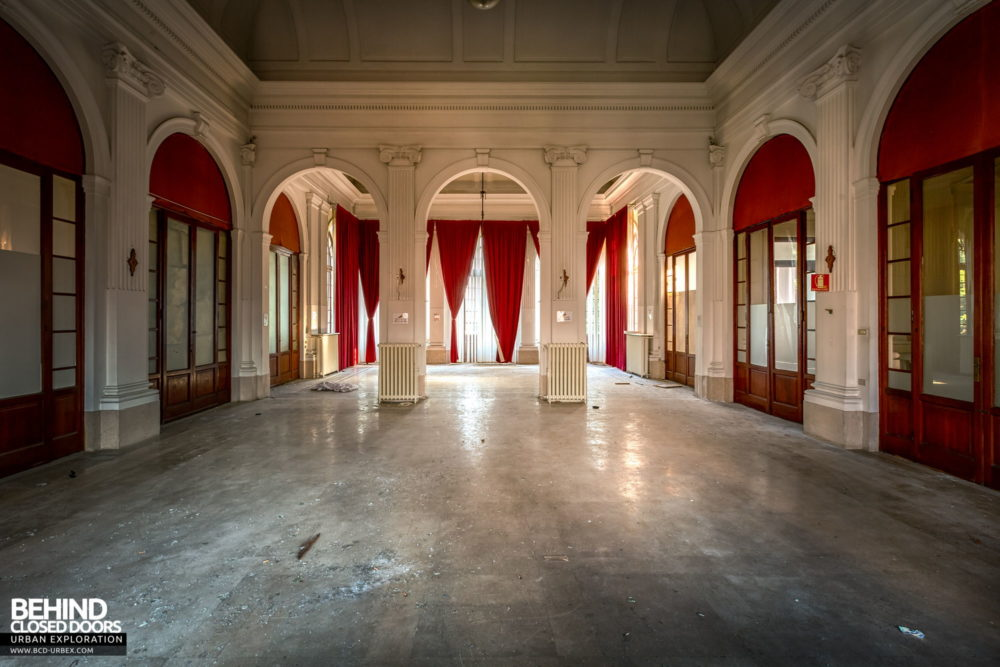 Tuberculosis Sanatorium / Hospital, Italy - One of the grand rooms in the admin block