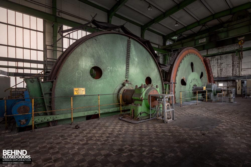 Zeche HR - The huge winding wheels