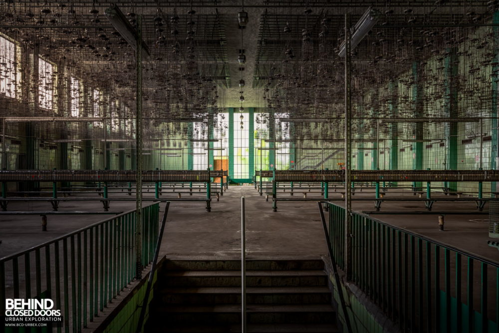 Zeche HR - The basket room in the bathhouse