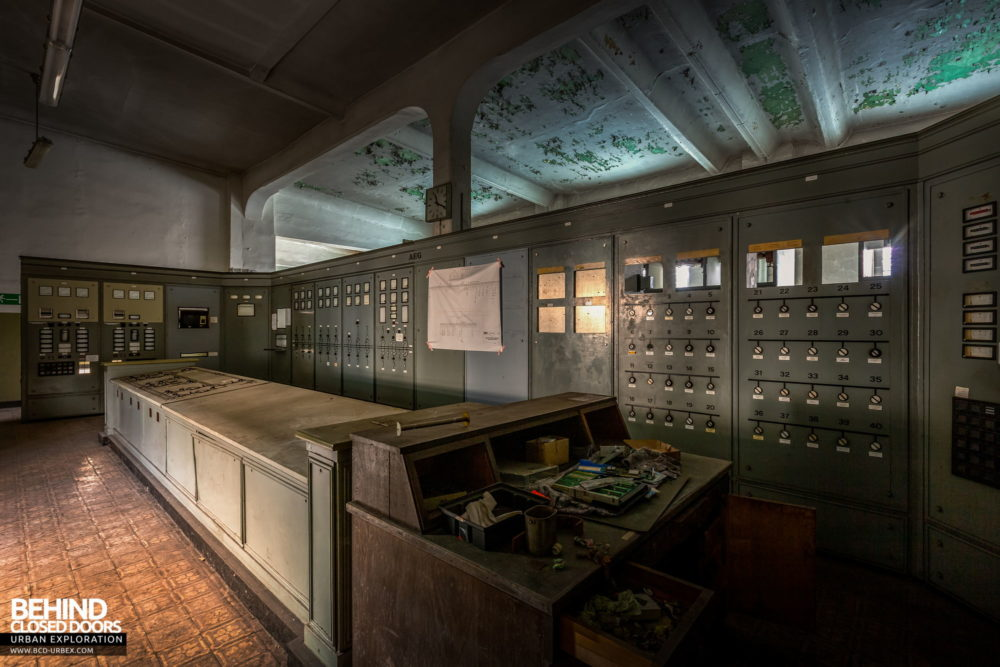 Zeche HR - Power house control room
