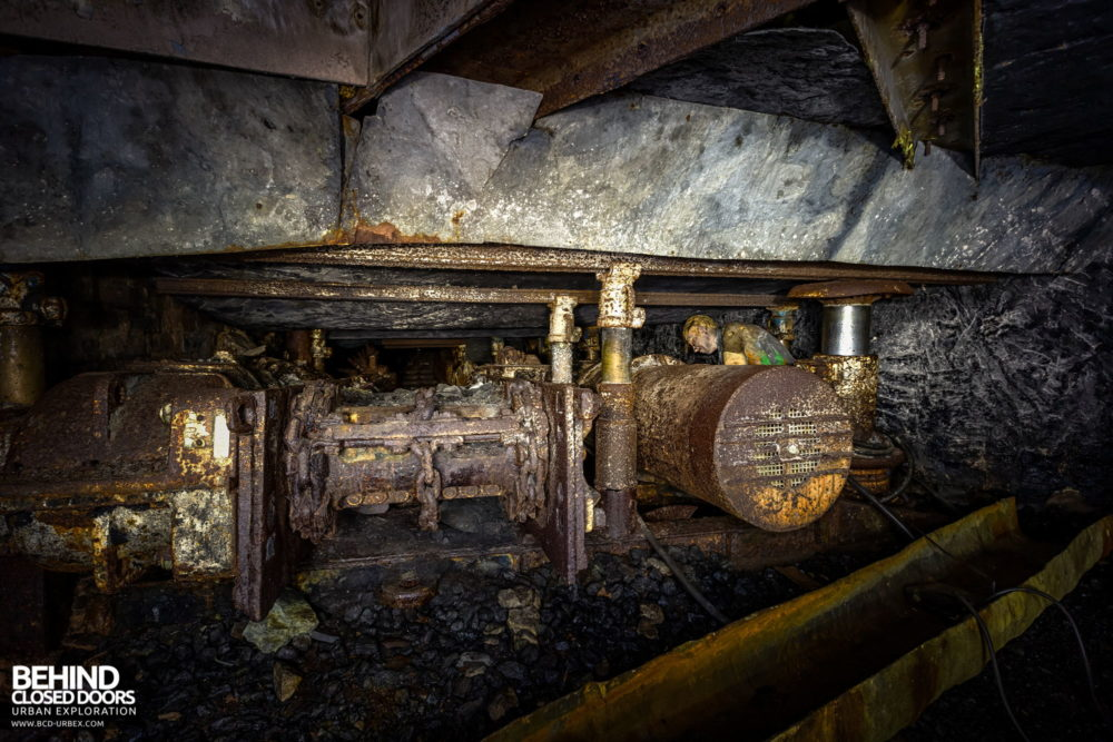 Chatterley Whitfield Underground Experience - Machine in a low level coal seam